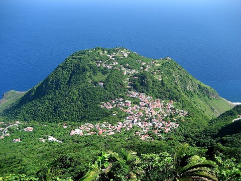 800px-View_from_Mt_Scenery,_Saba