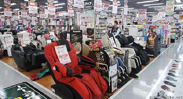 massage-chairs-yodobashi-akiba