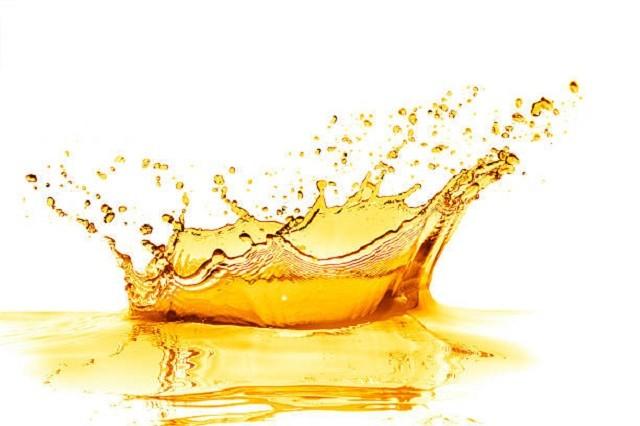 orange-juice-splash-picture-id537677959