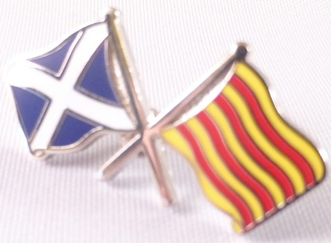 spain-catalonia-and-scotland-friendship-flag-badge-t1070--3043-p