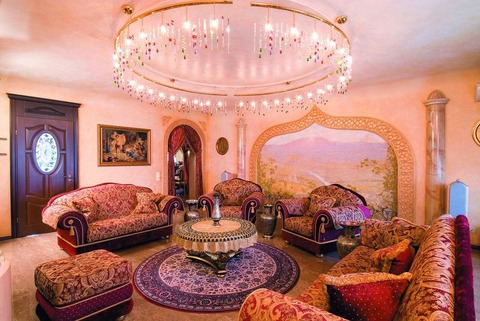 classic-living-room-home-interior-decors
