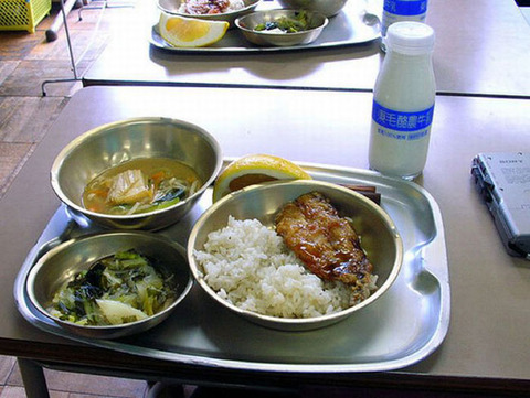 worldly_school_lunches_03