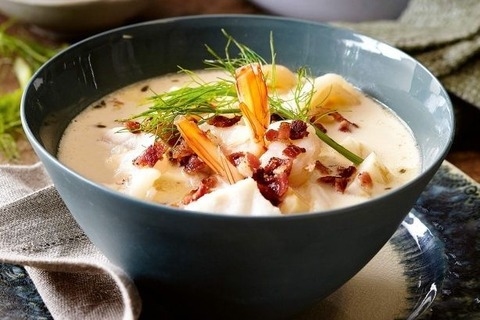 north-american-seafood-chowder-112698-1