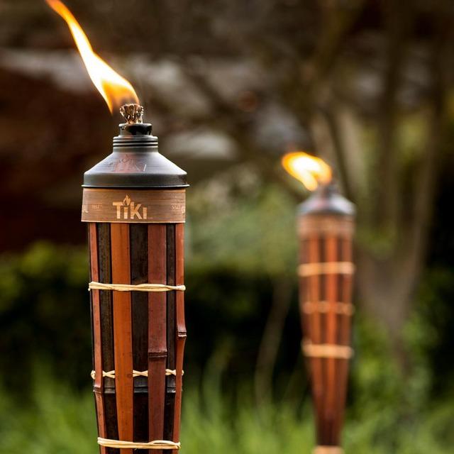tiki-citronella-torches-111316968-c3_1000