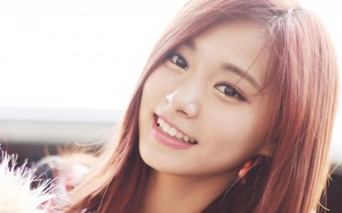 jyp-to-halt-activities-in-china-due-to-tzuyu-controversy