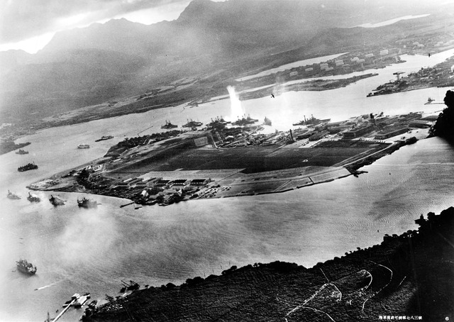 1920px-Attack_on_Pearl_Harbor_Japanese_planes_view