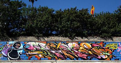 400px-Rime_msk_graffiti_lariver-mod