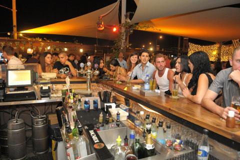 kibutz_bar_tel_Aviv (4)