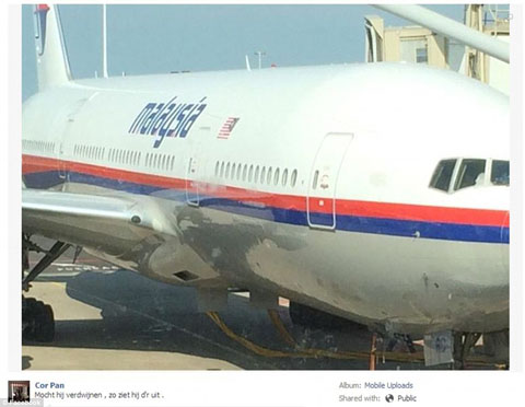 1405617176411_wps_16_Malaysian_Airlines_Plane_