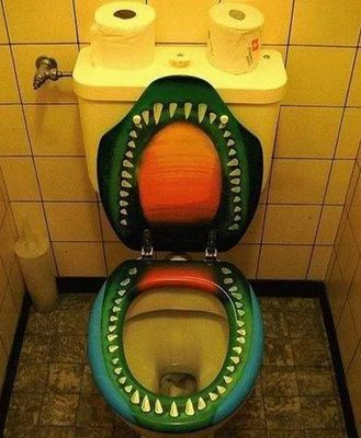 funny-weird-strange_gator-toilets