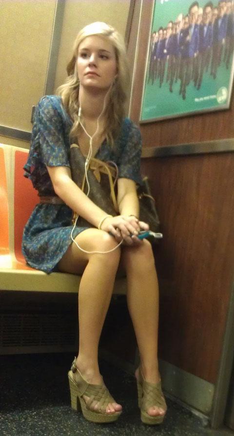 pretty-lady-subway-600x1115