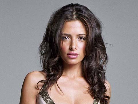 Sarah-Shahi-American-Actress