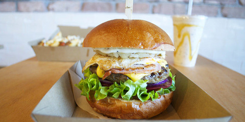 TWE-Burgerd-11-1100x550-c-center