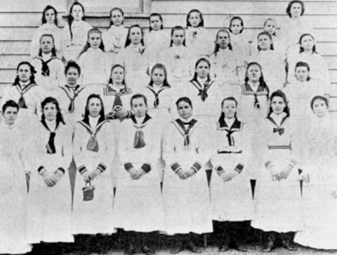 793px-StateLibQld_1_108848_Group_of_girls_in_uniform,_1901