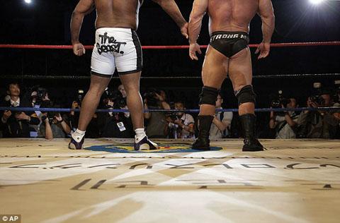 1409418806148_wps_8_American_pro_wrestlers_Bo