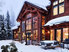 Frozen Lodge Escape