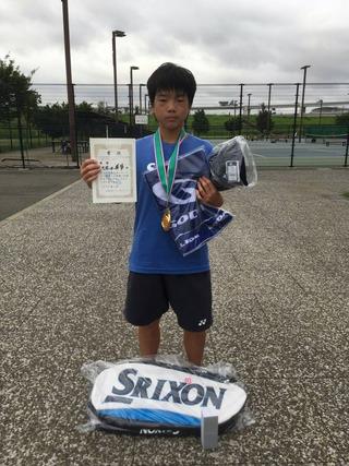 GODAI横浜サマージュニアテニストーナメント16歳以下男子シングルス優勝
