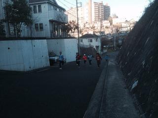 ジュニアチームみんなで坂道ダッシュトレーニング!