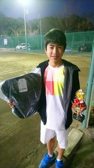 桜田ウインタージュニアテニストーナメント18歳以下男子シングルス優勝