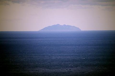 640px-Okinoshima_167245807_org