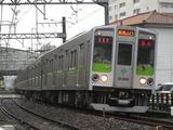 東京都交通局10-000形電車(東府中-府中間にて、'13.11.04撮影)