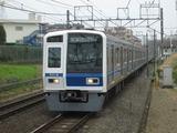 西武鉄道6000系電車(秋津駅にて、'17.03.31撮影)