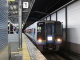 JR四国2000系気動車(宇多津駅にて、'17.10.20撮影)