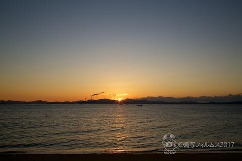 朝日_篠島前浜_富士山_2017-12-14 06-57-09