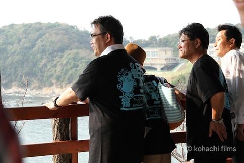 大村愛知県知事_篠島_トラフグ_2011-10-10 14-50-03