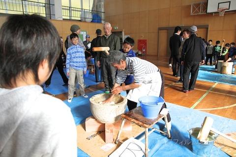 篠島小学校_餅つき大会_2013-01-11 11-48-27