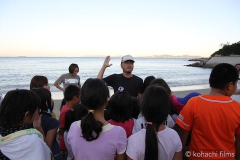 ウミガメ孵化_篠島_写真_前浜_放流_2011-09-06 17-41-14