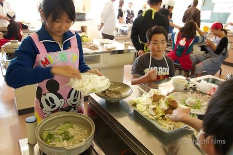 篠島観光協会_篠島小学校フグ実習_2011-11-15 11-34-08