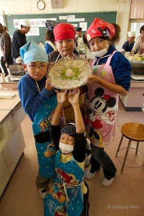 篠島観光協会_篠島小学校フグ実習_2011-11-15 11-23-36