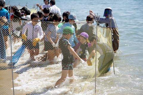 魚のつかみ取り_2017-05-05 09-03-26 - 2017-05-05 09-03-26