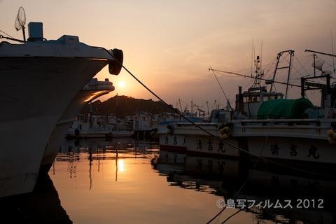 漁港_夕日_篠島_風景_写真_2012-05-05 18-00-28