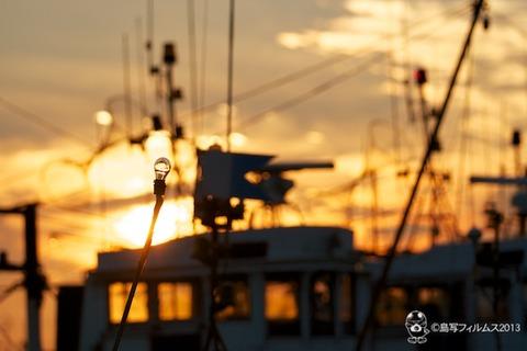 篠島漁港_夕日_漁船_2013-06-22 18-46-39
