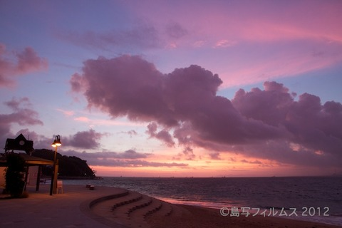 前浜サンサンビーチ_朝日_ドーンパープル_ 2012-08-28 05-09-46