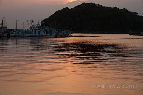 漁港_夕日_篠島_風景_写真_2012-05-05 18-06-34