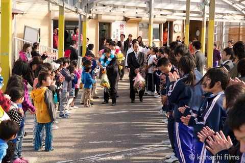 島写_篠島小学校_離任式_名鉄海上観光船_2011-04-20 15-26-32