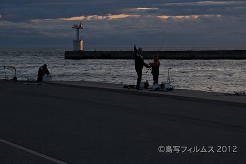 漁港_夕日_篠島_風景_写真_2012-05-03 18-24-37