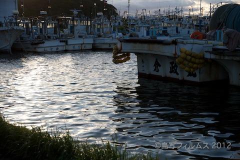 漁港_夕日_篠島_風景_写真_2012-05-04 17-53-08