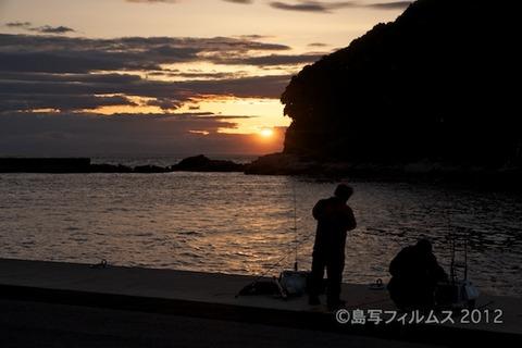 漁港_夕日_篠島_風景_写真_2012-05-03 18-25-22