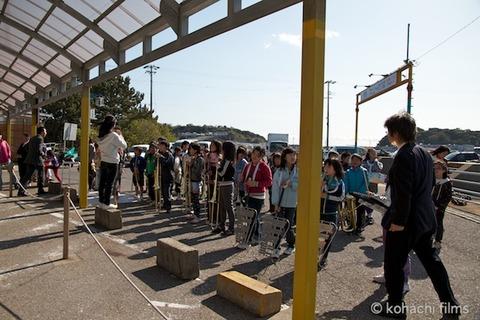 島写_篠島小学校_離任式_名鉄海上観光船_2011-04-20 15-15-40