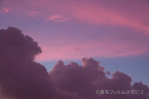 前浜サンサンビーチ_朝日_ドーンパープル_ 2012-08-28 05-10-04