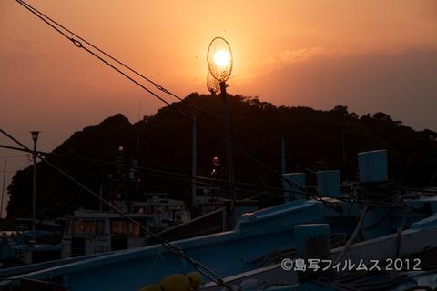 漁港_夕日_篠島_風景_写真_2012-05-05 18-03-22