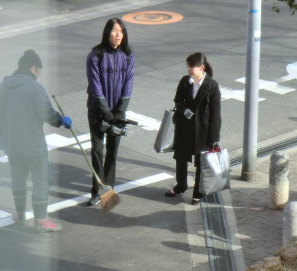 塚本幼稚園職員「子供達がいるから止めて下さい」 TBSの男ロン毛「お前ら!傷害罪で訴えるぞ!」