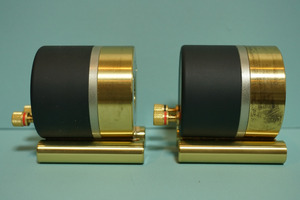 B7202033