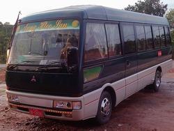 三菱製の古いバス