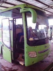ベトナム側のバス