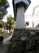 にの門の先の通路
